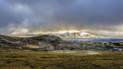 landscape mountain house hdr cloud